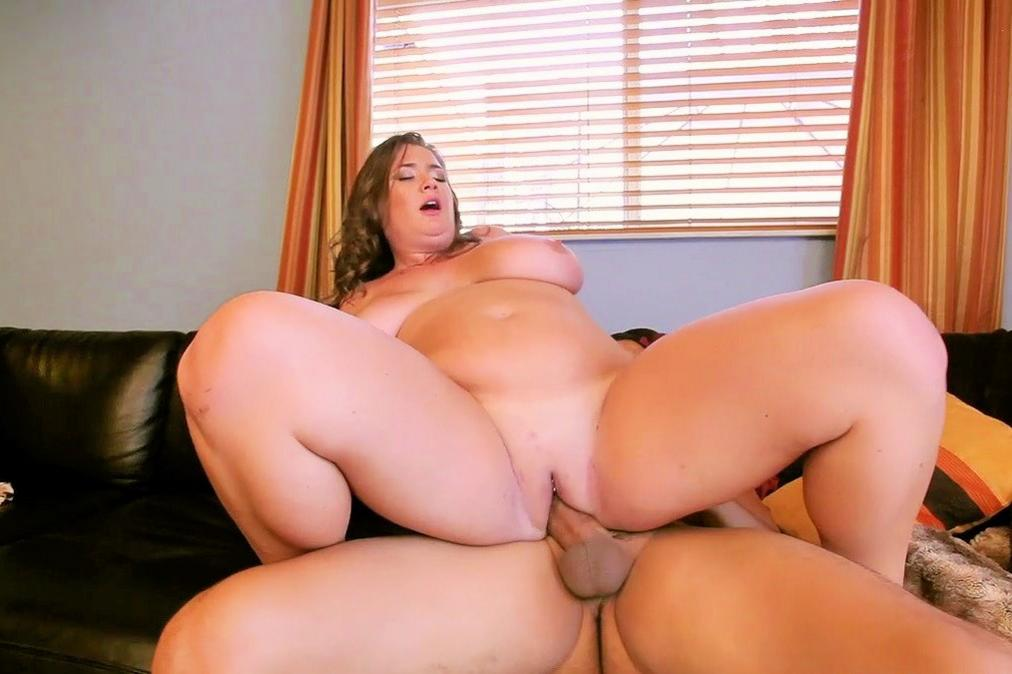 Bbw Ass Plump Whore Witn Big Boobs Posing In Lingerie A Chubby Girl