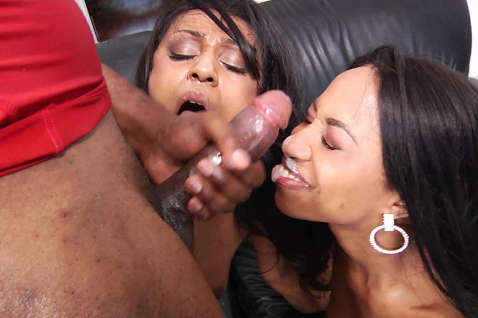 Couple interracial love making pic